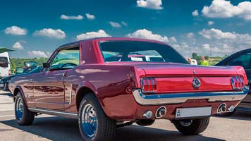 Locate classic car parts in Lake County, IL
