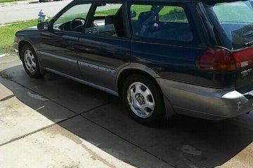 Junk Subaru Outback 2000 Photo