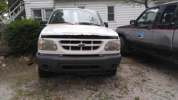 junk 2000 ford explorer for sale in michigan city in. Black Bedroom Furniture Sets. Home Design Ideas