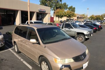 Honda Odyssey 2002 - Photo 2 of 8