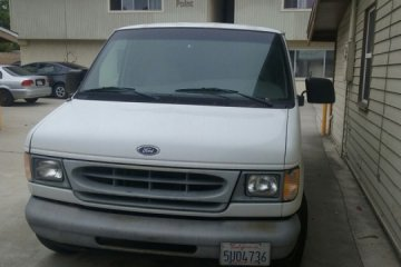 Ford E-150 1998 - Photo 1 of 3