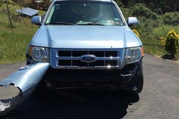 Ford Escape Hybrid 2008 - Photo 2 of 3