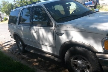 Ford Expedition 2000 - Photo 2 of 2