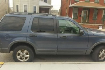 Ford Explorer 2003 - Photo 4 of 6