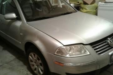 Volkswagen Passat 2001 - Photo 1 of 4