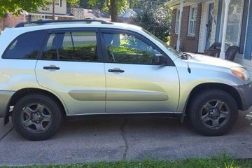Toyota RAV4 2003 - Photo 1 of 2