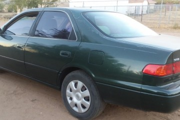 Toyota Camry 2000 - Photo 1 of 2