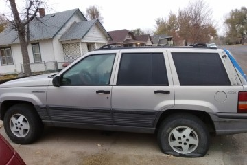 Junk Jeep Grand Cherokee 1995 Image
