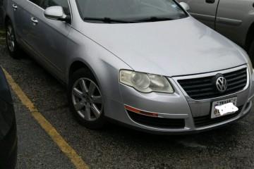 Volkswagen Passat 2006 - Photo 2 of 4