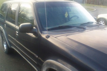 Ford Explorer 1999 - Photo 4 of 5