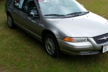 Chrysler Cirrus 1999 - Photo 1 of 5