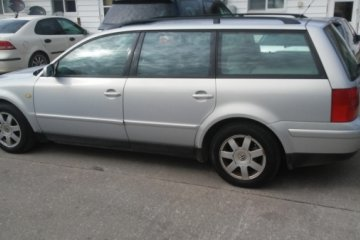 Junk Volkswagen Passat 1999 Photo
