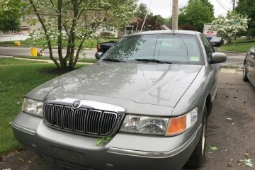 Mercury Grand Marquis 2000 - Photo 1 of 7