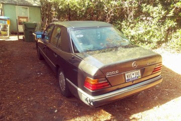 Mercedes-Benz 300-Class 1993 - Photo 2 of 5
