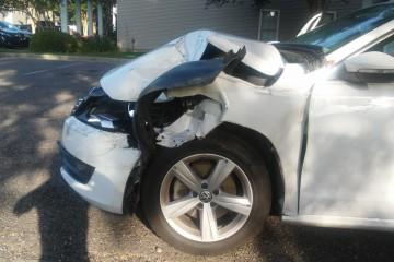 Volkswagen Passat 2012 - Photo 2 of 2