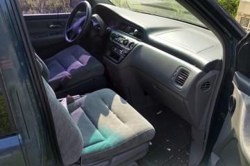 Honda Odyssey 1999 - Photo 3 of 4