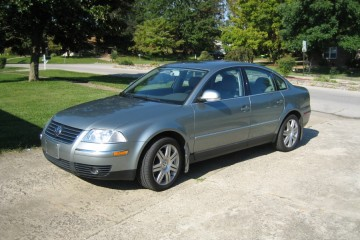 Junk Volkswagen Passat 2005 Photo