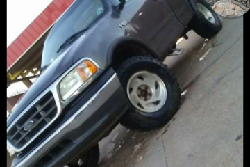 Junk Ford F-150 2002 Image