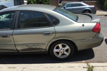 Ford Taurus 2002 - Photo 2 of 4