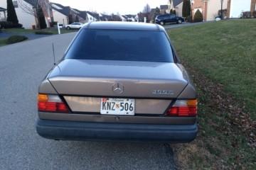 Mercedes-Benz 300-Class 1990