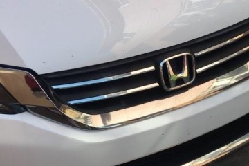 Honda Accord 2015 - Photo 2 of 3