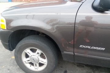 Ford Explorer 2005 - Photo 4 of 7