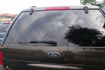 Ford Explorer 2005 - Photo 6 of 7