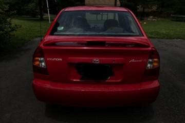 Hyundai Accent 2000 - Photo 2 of 5