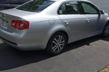 Volkswagen Jetta 2005 - Photo 2 of 4