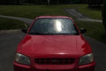 Hyundai Accent 2000 - Photo 3 of 5