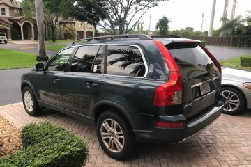 Volvo XC90 2007 - Photo 2 of 2