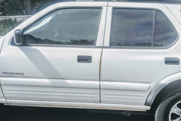 Isuzu Rodeo 2000