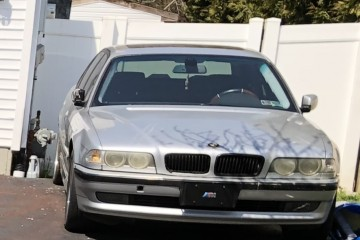 BMW 7 Series 2002 - Photo 1 of 2