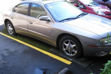 Oldsmobile Aurora 2001 - Photo 3 of 7