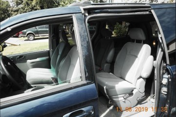 Dodge Grand Caravan 2004 - Photo 3 of 4