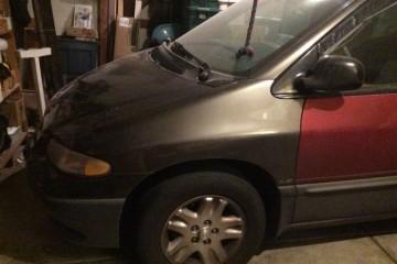 Dodge Caravan 1998 - Photo 2 of 3