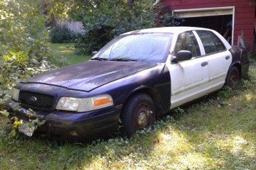 Junk Ford Crown Victoria 2003 Image