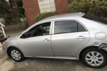 Toyota Corolla 2010 - Photo 3 of 8