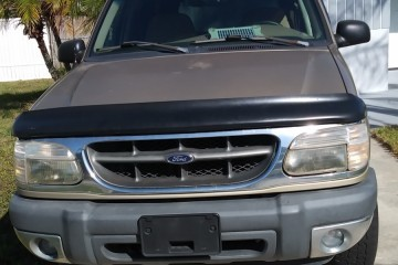 Ford Explorer 2001 - Photo 3 of 4