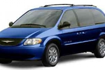 Junk Chrysler Town and Country 2001 Image