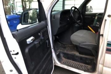 Ford E-150 1994 - Photo 16 of 19