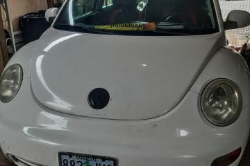 Volkswagen New Beetle 2002 - Photo 2 of 4