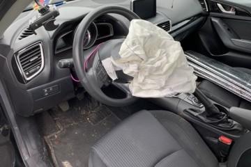 Mazda 3 2016 - Photo 4 of 9