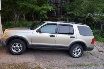 Ford Explorer 2003 - Photo 1 of 3