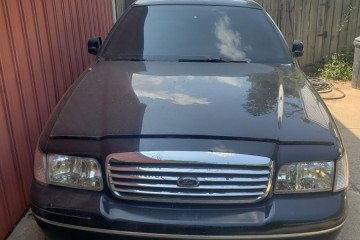 Junk Ford Crown Victoria 1999 Image