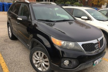 Kia Sorento 2011 - Photo 3 of 4