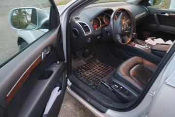 Audi Q7 2011 - Photo 3 of 7