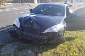 Hyundai Genesis Coupe 2012 - Photo 2 of 2