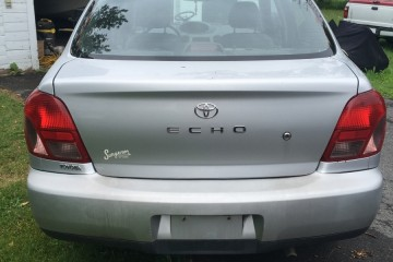 Toyota ECHO 2002 - Photo 1 of 4