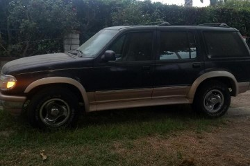 Ford Explorer 1996 - Photo 1 of 3